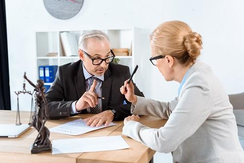 un avocat en droit immobilier